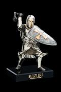 """Скульптура """"Тевтонский рыцарь со щитом"""""""