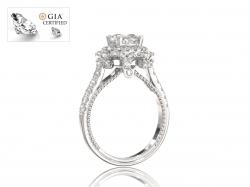 """Золотое кольцо с бриллиантами для помолвки """"Жозефин"""""""