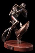 """Скульптура """"Дайвер с дельфином"""""""