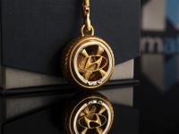 Серебряный брелок Hundai с инициалами