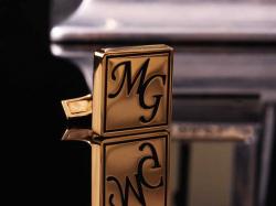 Запонки с инициалами MG