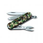 """Складной нож Victorinox """"Classic SD"""" камуфляж 0.6223.94 с чехлом"""