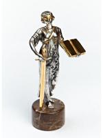 Серебреная Статуэтка Закон